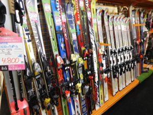スキースノボ販売しています。スマイルサンタ長野南バイパス店