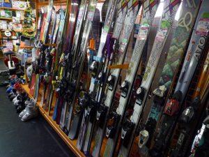 冬本番です。スキー・スノーボード各種ございます。 長野南バイパス店