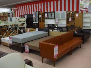 家具、増えたのでまた買いに来てください。 ☺サンタ上田店