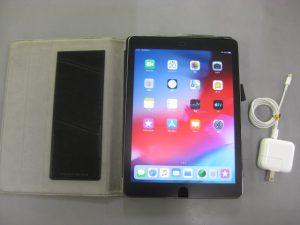 Apple iPad Air2 A1567 ソフトバンク 判定:○ 16GB レザーカバー付き ¥14,800+消費税 スマイルサンタ千曲戸倉店 TEL:026-214-8102