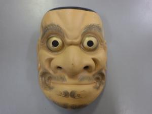 誰?達磨大使? お面 陶器製 ¥3,278(税込) スマイルサンタ千曲戸倉店 TEL:026-214-8102