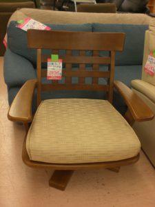 大きな回転座椅子 買い取りました スマイルサンタ上田店